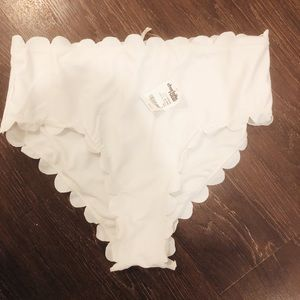 NWT High Waisted Scalloped Bikini Bottoms size L